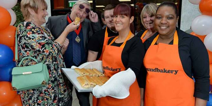 New Walsall Shop Opens With Mayoral Fanfare